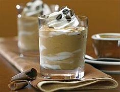 A dédike csodás pohárkrémei überelhetetlenek! Finomabbat még nem kóstoltam! Kávékrém – Elkészítése: 3 púpozott kávéskanálnyi darált kávéból erős feketét főzünk, és feleresztjük annyi tejjel, hogy…