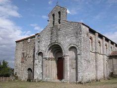 iglesia de San Paio de Diomondi. es el templo de un antiguo monasterio benedictino (Se cree que nace en el S. X))