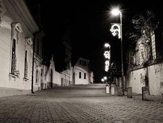Pécs, Esze Tamás utca, 2012. karácsonyi éjféli mise után. Fotó: Hajdu Csaba. Facebook, I<3Pécs Utca, Hungary, Facebook, Black And White, Places, Black White, Lugares, Black N White