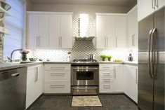How to Get the Best ROI in a Kitchen Reno, According to Scott McGillivray Cozy Kitchen, Kitchen On A Budget, New Kitchen, Kitchen Ideas, Pantry Ideas, Beautiful Kitchen Designs, Beautiful Kitchens, Home Renovation, Home Remodeling