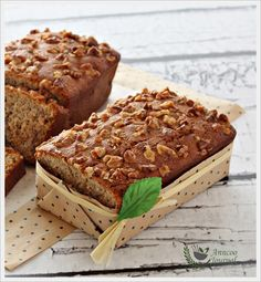 Hello everyone, how was your weekend? The weather was super hot as usual in the past two days and I was happy and had the mood to bake this super delicious, moist and soft Banana Walnut Bread from Curtis Stone's recipe. This recipe is very easy to follow with a few quick steps. I've reduced …