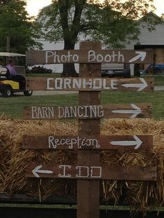 Country wedding signs... best believe there's gonna be some cornhole at my wedding!