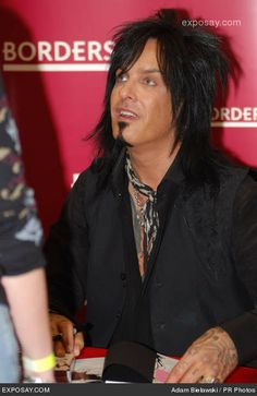 Gunner Sixx Nikki Sixx Son | Nikki Sixx - Nikki Sixx of Motley Crue Signs Copies of The Heroin ...