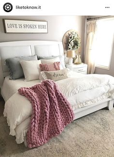 Pink makes everything better in my opinion. 💕 just by adding a cozy blush throw and pillow this room feel brighter and happier! Farmhouse Master Bedroom, Cozy Bedroom, Dream Bedroom, Home Decor Bedroom, Modern Bedroom, Bedroom Furniture, Cheap Furniture, Cozy Master Bedroom Ideas, 70s Bedroom