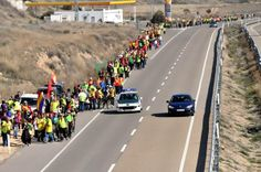 """Frente Cívico """"Somos mayoría"""" Estatal ha compartido la foto de Ramiro Duce. Ya que los medios de comunicación lo quieren silenciar, nosotros/as lo compartimos. Que no te oculten la realidad. Ejemplo y lucha obrera. P.D. Dale a """"me gusta"""" si quieres, pero deja el sofá y mañana unete a las marchas de la dignidad que recorren el estado español. Por tus derechos, por los mios. Por la dignidad obrera, organizate y lucha."""
