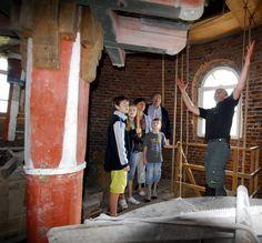 Molenaar Geert Hannen vertelt vol enthousiasme over de molen