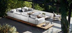 Simple & unique. The outdoor Vis à vis sofa from Tribù has a modular design and no visible arm or back rests http://ignasiconillas.com/es/servicios/mobiliario-para-exterior