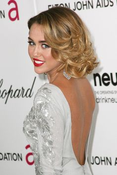 Never eveeer thought I'd be saying this,,, but im kinda liking Miley's style lately..