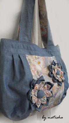 Blumen auf einer Tasche der Jeans und Baumwolle. Sprechen Sie mit LiveInternet - Russian Service Online Diaries