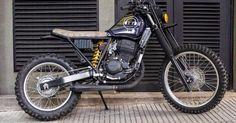 Honda XR 250 by low brow customs Honda Scrambler, Scrambler Custom, Scrambler Motorcycle, Honda Bobber, Honda Cb750, Cafe Racer Moto, Cafe Racing, Cafe Racer Bikes, Tracker Motorcycle