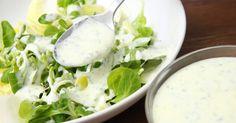 Mennyei Joghurtos salátaöntet recept! Egy egyszerű, és gyors joghurtos salátaöntet recept, amit bármikor elkészíthetsz! Nagyon finom, és bármilyen salátához tökéletesen passzol. Készíts mennyei salátát tartósítószer, és mesterséges anyagok nélkül! ;) Hungarian Recipes, Hungarian Food, Pesto, Cantaloupe, Potato Salad, Side Dishes, Goodies, Fruit, Healthy
