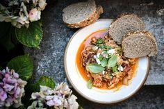 Paradajková polievka z pečených paradajok a pesta - Red velvet blog Red Velvet, Tacos, Mexican, Ethnic Recipes, Blog, Red Valvet, Blogging, Mexicans