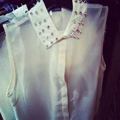 Studded collar shirt (sleeveless)