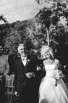 Sweet ceremony moment captured by Jason Mize via http://junebugweddings.com/wedding-blog/geometric-inspired-wedding-selby-gardens/