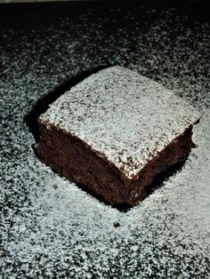 Perník bez vajec a laktózy (i pro vegany) Homemade, Desserts, Food, Tailgate Desserts, Deserts, Home Made, Essen, Postres, Meals