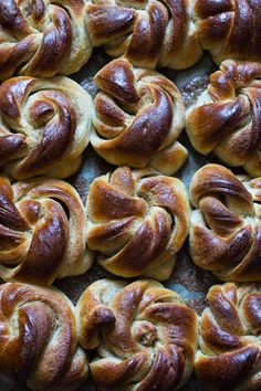 Ida Gran Jansen Vegan Vegetarian, Vegetarian Recipes, Fika, Kitchenaid, Pretzel Bites, Delish, Sausage, Veggies, Bread