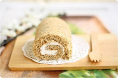 Roll cake flavored with tea leaves (recipe uses metric measurements)