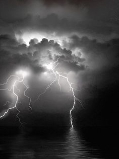 Choose your favorite lightning paintings from millions of available designs. All lightning paintings ship within 48 hours and include a money-back guarantee. Lightning Cloud, Lightning Photos, Thunder And Lightning, Lightning Photography, Dark Photography, Black And White Picture Wall, Black And White Pictures, Dark Wallpaper, Nature Wallpaper