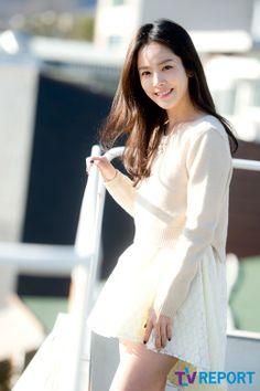Han Ji Min 한지민 (how??? how can anybody be so flawless)