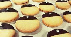 Ylioppilaspikkuleivät Cookies, Desserts, Food, Crack Crackers, Tailgate Desserts, Deserts, Biscuits, Essen, Postres
