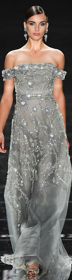 Glamour and Beauty Elie Saab, Beautiful Gowns, Beautiful Outfits, Gorgeous Dress, Simply Beautiful, Evening Dresses, Prom Dresses, Wedding Dresses, Traje Black Tie