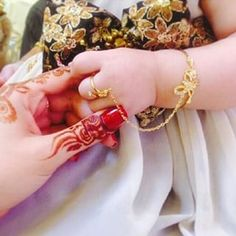 Baby Shoes Photography Mom 67 Ideas For 2019 Kids Gold Jewellery, Baby Jewelry, India Jewelry, Kids Jewelry, Wedding Jewelry, Gold Jewelry, Jewelery, Gold Bangles Design, Jewelry Design