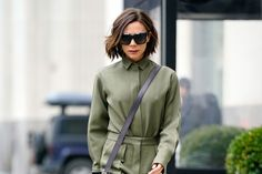 Are Stirrup Pants Here To Stay? Victoria Beckham Makes A Strong Case For The Affirmative Victoria Beckham Stil, David And Victoria Beckham, David Beckham, New Long Hairstyles, New Haircuts, Stirrup Pants, New Career, Dressy Tops, Spice Girls