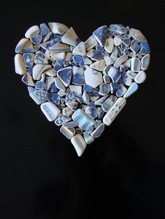 Sea Glass Painter - The Confessions of a Common Beachcomber: True Blue - a Beachcombers Valentine Sea Glass Crafts, Sea Glass Art, Sand Glass, Glass Beach, Mosaic Art, Mosaic Glass, Art Pierre, I Love Heart, Beach Crafts