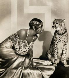 Photo Card No.101, Dancer Josephine Baker posing with a cheetah wearing a collar, photograph by Piaz Studios of Paris, Early 1930`s. © Victoria and Albert Museum, London
