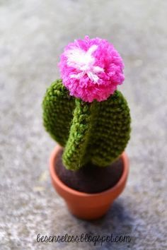 amigurumi cactus - free crochet pattern - besenseless.blogspot.com
