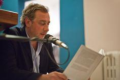 Stevan Paul liest seine neueste Kurzgeschichte vor.  Morgen in der Buchhandlung Boysen + Mauke in Hamburg.   Essen gibt es auch. Ich freu mich drauf.
