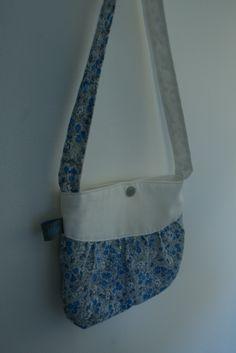 sac à main fillette en tissu fleuri