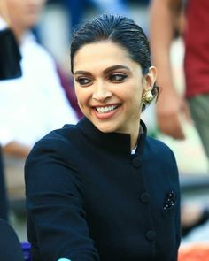 Just Smile, Her Smile, Actress Aishwarya Rai, Sherwani, Deepika Padukone, Beauty Queens, Beautiful Celebrities, Bun Hairstyles, Eye Makeup