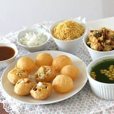 Pani Puri - Popular Indian Street Food/ Chaat - Crispy Puri Stuffed with Potato Masala and Served with Mint Flavored tangy Water - Recipe with Step by Step Photos Puri Recipes, Indian Food Recipes, Snack Recipes, Snacks, Gujarati Recipes, Vegetarian Recipes, Pani Puri Recipe, Chaat Masala, Papdi Chaat
