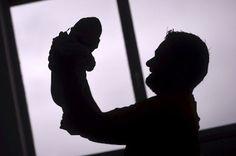El Gobierno acaba por reconocer el derecho a las bajas de maternidad y paternidad en la gestación subrogada. Queda equipada así la situación de la gestación subrogada con otras como la adopción o el acogimiento. Marta Borraz | El Diario, 2017-01-16 http://www.eldiario.es/sociedad/maternidad-paternidad-progenitores-gestacion-subrogada_0_602290075.html