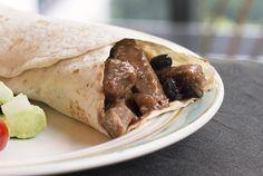 Een rijk gevuld runderstoofvlees recept met een volle pittige Mexicaanse smaak, lekker om aan tafel je tortilla's te vullen.