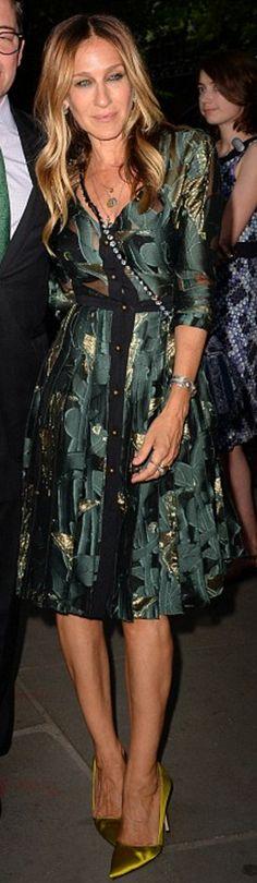 Who made Sarah Jessica Parker's green satin pumps, crystal handbag, and print dress?