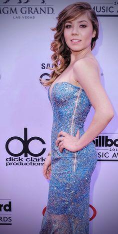 Daisy Ridley Hot, Jenette Mccurdy, Nickelodeon Girls, Curvy Women Outfits, Best Gowns, Raw Women's Champion, Foto Pose, Blonde Beauty, Neil Patrick Harris