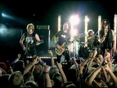 Music video by Hinder performing Use Me. (C) 2008 Universal Republic Records, a division of UMG Recordings, Inc.