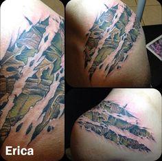 Camo, ripped skin, tattoo, this is kinda cool! Weird Tattoos, Sweet Tattoos, Love Tattoos, Tattoos For Guys, Awesome Tattoos, Arm Tattoos, Tatoos, Skin Tear Tattoo, Ripped Skin Tattoo