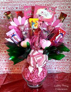 Most Pinned Handmade Valentine Gifts for Him on a Budget for 2020 Valentines Day Baskets, Valentines Gifts For Boyfriend, Valentine Day Crafts, Valentines Presents, Valentine Ideas, Valentine Decorations, Candy Bouquet Diy, Valentine Bouquet, Candy Gift Baskets
