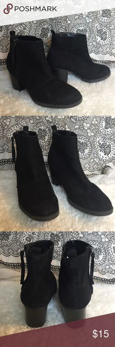 Side Zip Chunky Heel Booties Black chunky heel booties. Worn a couple times but perfect for a night out or for work. Old Navy Shoes Ankle Boots & Booties