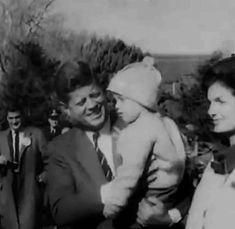 The Camelot that Kennedy Built Caroline Kennedy, Jackie Kennedy, Sweet Caroline, American Presidents, American History, John Fitzgerald, Black N White, Jfk, Childhood Memories