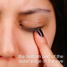 Then, move just above your cheekbone and below your eye socket to apply light pressure on this point. These 8 Pressure Points Will Help You Relieve Congestion Sinus Pressure Relief, Sinus Congestion Relief, Sinus Headache Relief, Pressure Points For Headaches, Chest Congestion Remedies, Relieve Sinus Pressure, Sinus Remedies, Natural Headache Remedies, Headache Behind Eyes