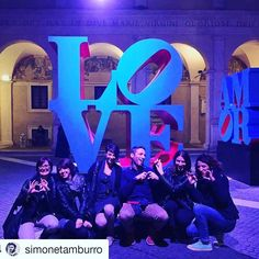 #instagood with #chiostrolove!   #Repost @simonetamburro #chiostrodelbramante #love #amor #roma #instapic #instamood #monday #halloween #friends #art #nightlife #instagood #emotions #feelings #rome #streetart #streetlife #artgallery #contemporaryart #chiostrolove #hug #kiss #sexy #pumpkins