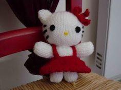 Modele gratuit poupee hello kitty au tricot avec explication