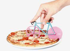 fixie-pizza-cutter-slices-with-bike-wheels-designboom-07