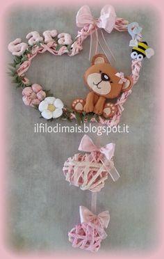 Baby Crafts, Felt Crafts, Diy And Crafts, Felt Banner, Baby Sewing Projects, Clothes Crafts, Felt Dolls, Felt Animals, Handmade Decorations