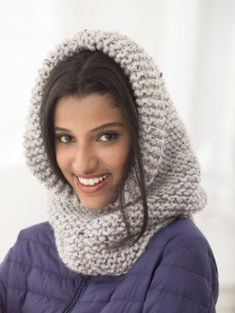 Cagoule en tricot épais Margate Wool-Ease Thick & Quick de Lion Brand Plus Easy Knitting, Knitting For Beginners, Loom Knitting, Knitting Patterns Free, Crochet Patterns, Knitting Needles, Easy Crochet, Knit Crochet, Knit Cowl
