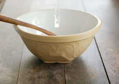 """Vintage Mixing Bowl from T.G. Green - Yellowware Gripstand style - 10"""""""